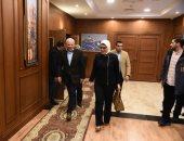 وزيرة الصحة ومحافظ بورسعيد يتفقدان مستشفى المبرة ووحدة صحة أسرة المناخ1.. صور