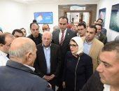 وزيرة الصحة ومحافظ بورسعيد يتابعان العمل بمستشفى أطفال النصر التخصصى.. صور