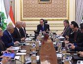 رئيس الوزراء: برنامج لتحفيز النقل الجماعى للعمل بالغاز الطبيعى