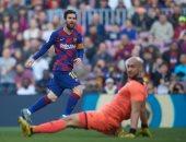 """برشلونة ضد إيبار.. ميسي يتخطى رونالدو في عدد الهاتريك مع الأندية """"فيديو"""""""