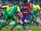 ميسي يسجل رباعية ويقود برشلونة لسحق إيبار بخماسية في الدوري الاسباني