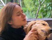 بعد تألقها بجلسة تصوير منذ أيام.. نيللي كريم تطل من جديد بصور مع كلبها