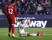 ريال مدريد يعلن إصابة هازارد بشرخ جديد فى الكاحل وتوقعات بغيابه شهرين
