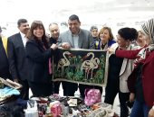 نائب رئيس جامعة بنها يفتتح معرض الملابس الخيرى للطلاب