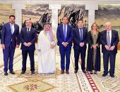 أمير منطقة الرياض يستقبل حاكم ولاية كاتاماركا الأرجنتينية.. صور