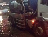 """""""مياه القليوبية """" تكثف أعمال رفع تراكمات مياه الأمطار بشوارع المحافظة"""