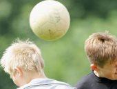 بيان مشترك لاتحادات انجلترا واسكتلندا وإيرلندا.. ممنوع لعب الكرة بالرأس للأطفال