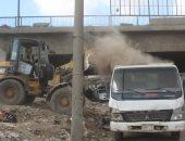 محافظة الجيزة ترفع 400 طن مخلفات أسفل دائرى المريوطية