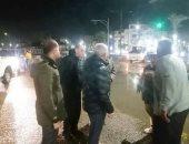 محافظ السويس يتفقد الشوارع والميادين وتكثيف أعمال كسح المياه بالطرقات