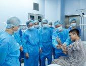 إجراء أول عملية زرع يد فى العالم من متبرع حى فى مستشفى بفيتنام