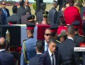 جثمان الرئيس الأسبق حسنى مبارك يغادر مسجد المشير لبدء مراسم الجنازة