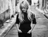 بعد 10 أعوام.. فنانة بريطانية شهيرة تكشف: ابتعدت عن الغناء بعد اغتصابى