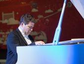 تأجيل عروض عازف بيانو شهير فى إيطاليا بعد تفشى فيروس كورونا