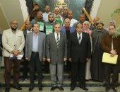محافظ كفر الشيخ: تسليم 14 عقد تقنين وتجديد شبكات الكهرباء بتكلفة 4.5 مليون جنيه
