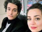 شاهد ماذا فعل محمد محسن وزوجته هبة مجدى فى مطار القاهرة خوفا من كورونا؟