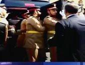 لحظة دخول نعش الرئيس الراحل حسنى مبارك لمسجد المشير لآداء الصلاة عليه
