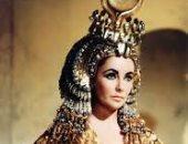 شاهد أزياء اليزابيث تايلور فى فيلم كليوباترا قبل 57 عاما فى ذكرى ميلادها