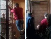 غلق وتشميع 34 محل ومقهى مخالف فى حملات غرب القاهرة.. صور