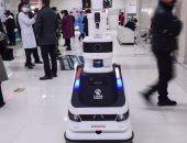 دوريات للروبوتات بالمستشفيات الصينية للحد من انتشار كورونا.. فيديو