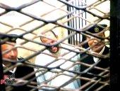 جزار يذبح 7 أشخاص من أسرة واحدة ويضحك لحظة النطق بإعدامه.. حكاية سفاح كفر الدوار الذي استضافه صديقه فى منزله فغدر به ليلا بذبح عائلته لسرقتهم.. وجنايات دمنهور تقضى بالإعدام شنقا خلال شهر من الجريمة.. فيديو وصور