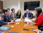 """وزيرة التعاون تبحث مع وكالة """"ميجا"""" التابعة للبنك الدولى لتقديم ضمانات ضد المخاطر"""