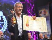 فيديو وصور.. سيد رجب وسوسن بدر يحصدان جائزة أحسن ممثل وممثلة من المركز الكاثوليكى