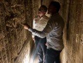 وزير السياحة يفتتح ثلاثة سراديب وبانوراما سطح معبد دندرة بقنا
