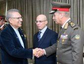 وزير الدفاع يعود إلى القاهرة بعد زيارة رسمية لجمهورية باكستان.. صور