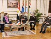 وزير الدفاع يلتقى وزيرة القوات المسلحة الفرنسية