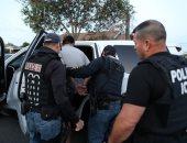 فيديو.. احتجاز فريق CNN فى مينيابوليس بولاية منيسوتا الأمريكية أثناء تغطية الاحتجاجات