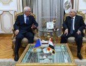 """""""العصار"""" يبحث مع سفير البوسنة والهرسك سبل تعزيز التعاون فى مجالات التصنيع"""