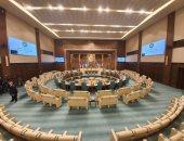 أنور قرقاش يحتفى بمشروع تطوير القاعة الكبرى فى جامعة الدول العربية