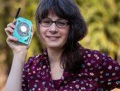 """مهندسة فضاء تستغنى عن الهواتف الذكية وتصمم """"محمول"""" يشبه الأجهزة المنزلية"""