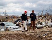 ترامب يتفقد الأثار الكارثية بسبب عواصف ضربت ولاية تينيسى الأمريكية