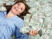 كم تبلغ ثروة أغنى نساء العالم وما مصدرها؟.. فى اليوم العالمى للمرأة