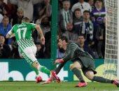 بيتيس يهز شباك ريال مدريد بالهدف الثانى فى الدقيقة 37.. فيديو