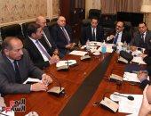 """""""نقل البرلمان"""" تسأل الوزارة عن 2 مليار مخصصة لإعادة تطوير الطرق الداخلية"""