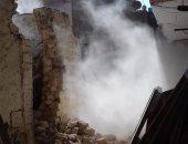 محافظة القاهرة: إزالة عقار آيل للسقوط فى حى الوايلى حفاظا على أرواح المارة