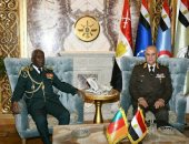 الفريق محمد فريد يلتقى رئيس أركان القوات المسلحة الكاميرونية