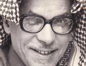 """صور.. قصة مكتشف فحم المغارة وشخصية معرض العريش الثانى للكتاب.. الجيولوجى درويش الفار كشف كنوز الرمال السوداء والرخام والأسمنت بشمال سيناء.. أبدع بشعر الفصحى وله دواوين.. ومنحه """"عبدالناصر"""" جائزة الدولة التشجيعية"""