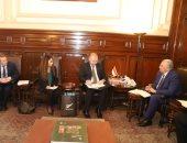 وزير الزراعة يبحث مع السفير  النيوزيلندى انسياب حركة المنتجات الزراعية بين البلدين