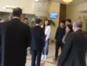 أول فيديو لزيارة سفير الصين للسائح ضحية تنمر الدائرى