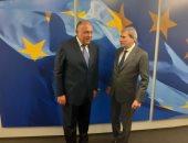 شكرى يبحث مع مفوض الاتحاد الأوروبى آخر التطورات المتعلقة بملف سد النهضة