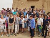 رئيس هيئة تنشيط السياحة يزور البواخر النيلية بأسوان ويطمئن على أحوال العمال