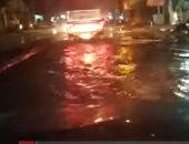 فيديو..سيارات القليوبية تتحول لمراكب صيد بمياه إعصار التنين.. والمحافظة غائبة