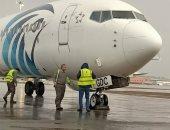 مطار القاهرة يستقبل 160 مصريآ من العالقين بالإمارات