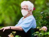بسبب فيروس كورونا.. أيهما أولى بدخول الرعاية المركزة كبار السن أم الأصغر؟