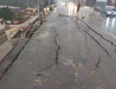 هبوط أرضى بمحور 26 يوليو اتجاه ميدان لبنان بسبب الطقس السيئ.. صور