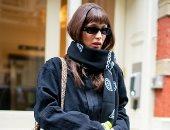 بيلا حديد تتألق بحقيبة من لويس فيتون فى مانهاتن بصحبة والدتها يولاندا