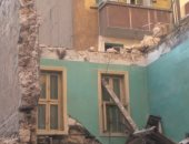 انهيار عقار قديم بالإسكندرية دون إصابات.. صور